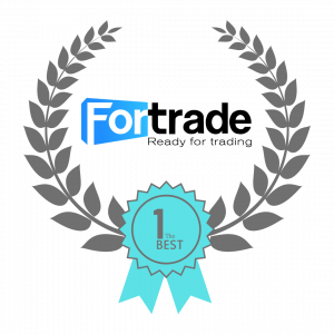 Fortrade badge with wreath showing Fortrade as the best broker.